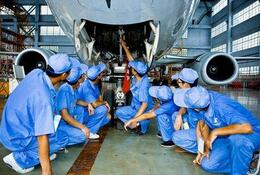 <b>航空公司飞机大修周期短</b>