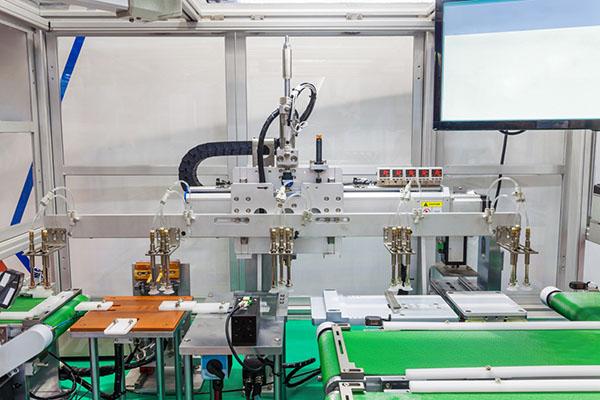 锂离子动力电池行业设备初期管理